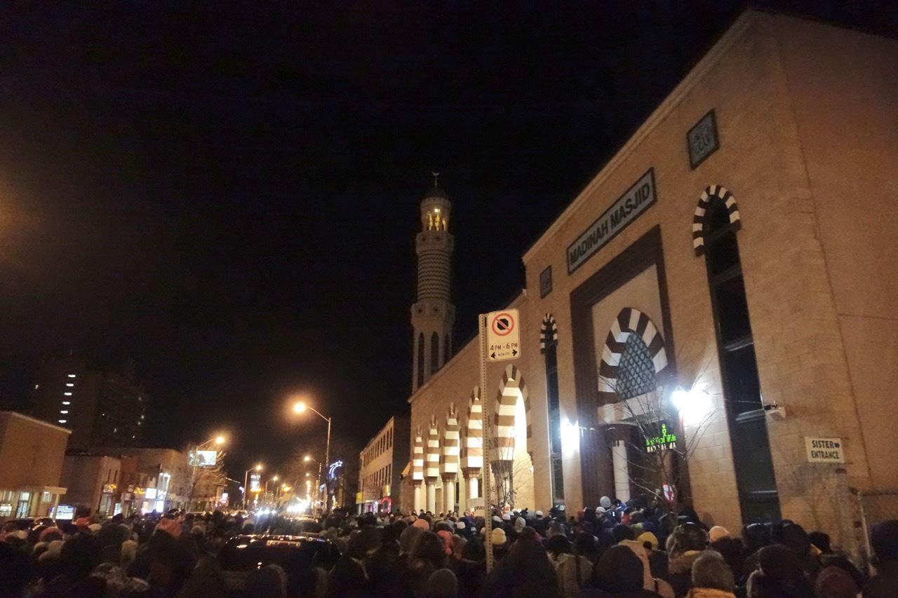 Vigil_at_the_Mosque_2