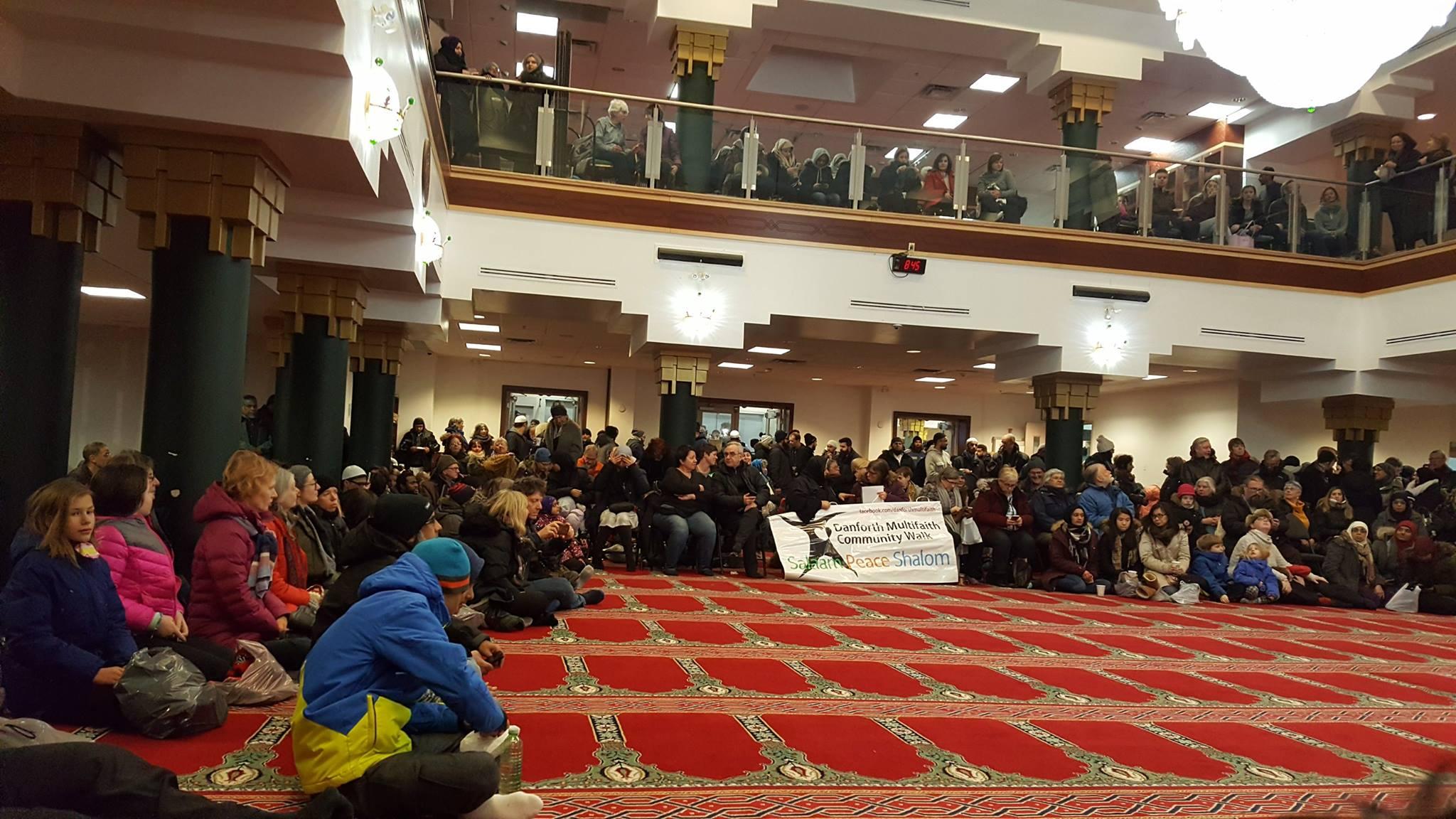 Vigil_at_the_Mosque_22