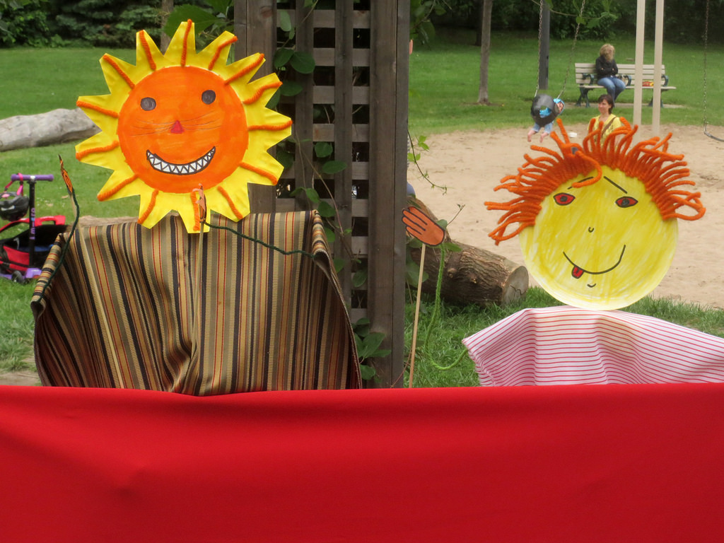 0188 - art_in_phin_park_puppets
